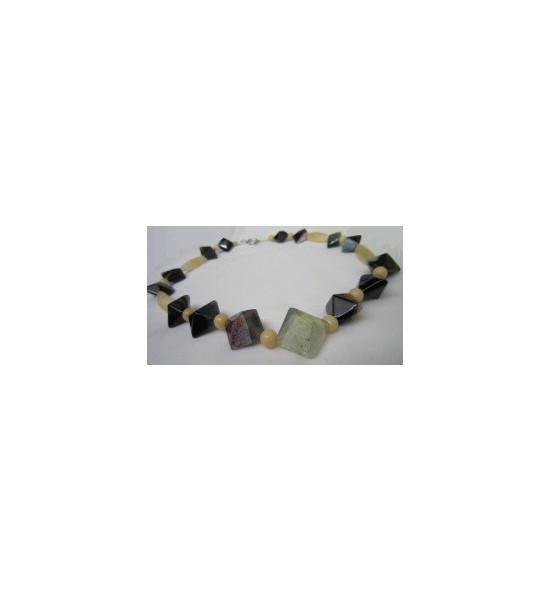 Collar Jade Amarillo y Agatas Negras